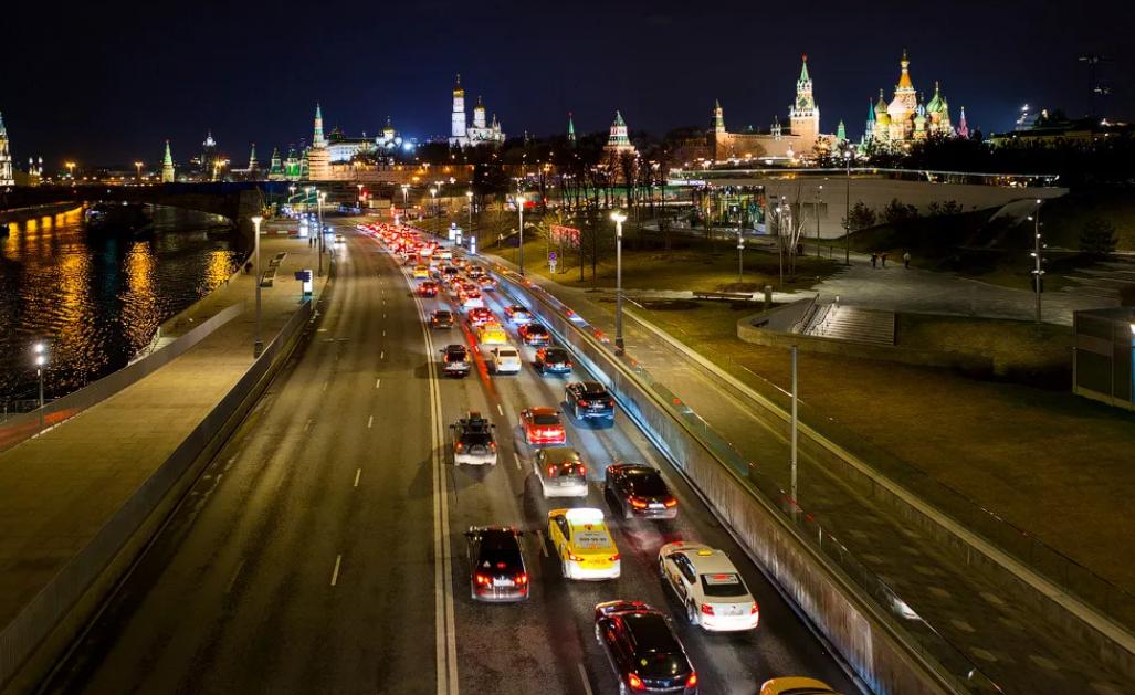 Ехать по Москве